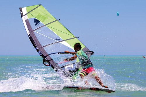 Kitsurfen, Windsurfen bei Element Watersports, El Gouna
